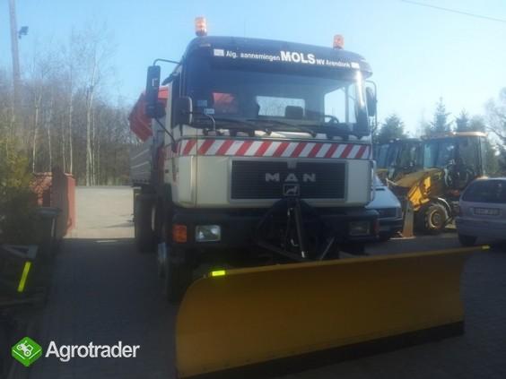 Pługi śnieżne do ciągnika i ciężarówki - producent