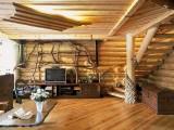 Ukraina. Produkcja, montaz domow z bali, wiat drewnianych, garazy
