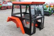 Kabina ciągnikowa do ciągnika C 360 C 330 LUX z błotnikami SZYSZKA CE