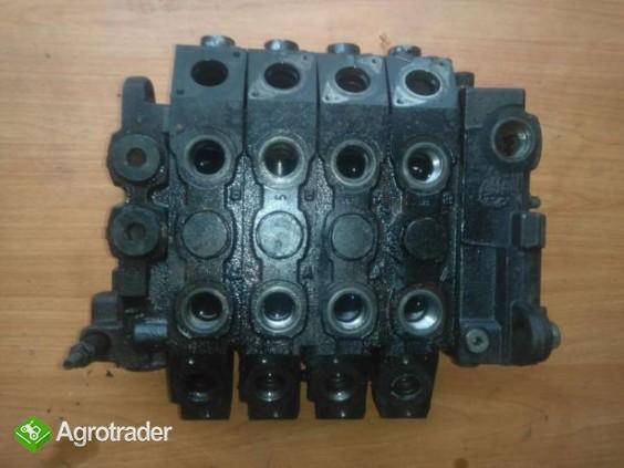 Rozdzielacz hydrauliczny Deutz Agrovector 26.6 30.7 40.8 35.7 29.6 37.