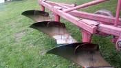 Pług 3-skibowy Unia odkładnice śrubowe ścinacze listwowe
