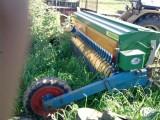 siewnik do podsiewu traw w darń